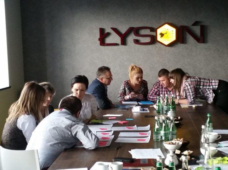 Customer Experience - Employee Experience